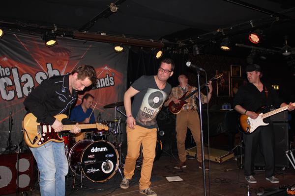 Bones in Wilhelmina Eindhoven