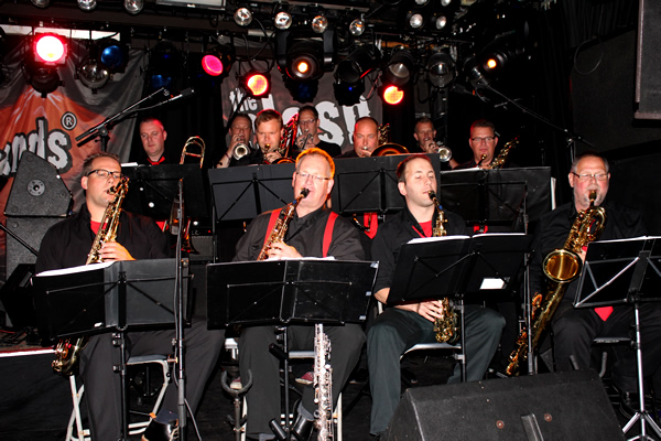 eXpats Big Show Band in Burgerweeshuis Deventer